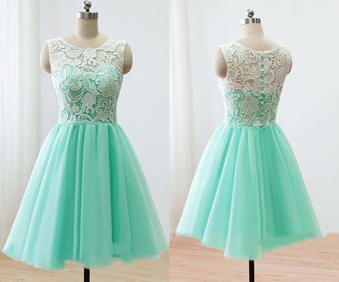 Cute White Lace Short Blue Grad Dresses